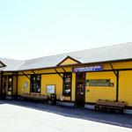 .... der Bahnhof und Tourist - Info