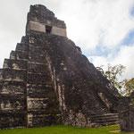 .....viele der Tempel sind extrem hoch und schlank....