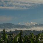 """....Blick auf die Vulkankette des """"Irazu"""" und """"Turrialpa""""..."""