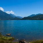 Entlang eines wunderschönen Fjordes (dies hier ist der Pazifik - kaum zu glauben)...