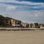 Die Natur hat die meisten ausgegraben und teilweise liegen sie inzwischen am Strand