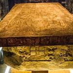 Der Sarkophag des Königs Pakal - der unglaubliche 80 Jahre alt wurde