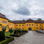 ...einem riesigen Schloss ist ein Juwel in Deutschland.