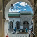 ...Eingang zu einer Moschee - nichts für uns...
