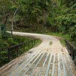 Enge Brücken in Stahlrohrkonstruktion