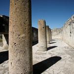 Hier ein Teil der früher riesigen Säulengruppe (nur noch dieser ist erhalten)