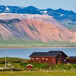 ...und dazu noch die farbigen Berge - erinnerte uns an Oregon...