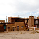 Diese Kirche - rechts - ist UNESCO Weltkulturerbe