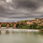 Blick auf die alte Backsteinbrücke aus dem Jahre 1035...