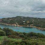 Die Einfahrt zum Hafen von Santa Teresa