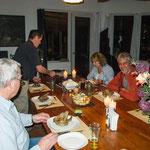 ....und die Gäste freuen sich auf deutsches Essen....