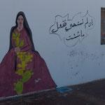 ...waren erstaunt unverschleierte Frauengesichter an der Wand zu sehen...
