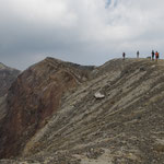 ....wir sind am Kraterrand - ber 2.300 m.....