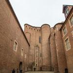 ...und der Bischofspalast - noch größer als die Kathedrale...