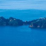 Einfahrt in den berühmten Hafen von Portofino