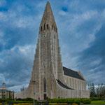 ...die Kirche ist von aussen schöner als von innen...