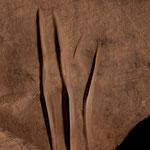 der rauhe Sandstand wurde genutzt um Werkzeuge und Pfeilspitzen zu schäfen