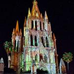 Die Kathedrale wird am Wochenende mit Laser beleuchtet