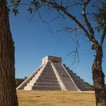 ....diese tolle Pyramide stellt unter anderem den Mayakalender dar.....