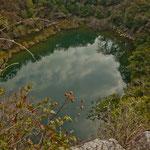 In diesen sehr tiefen See wurden Opfergaben geworfen - was möchten wir lieber nicht wissen