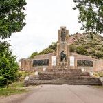 ...das riesige Denkmal für General Jose de San Martin.