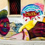 ...Valparaiso ist entzwischen weltberühmt für seine Häuserbemalungen...
