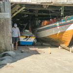 ...fast jedes Haus am Strand (im Zentrum von Garopaba) gehört einem Fischer...