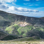 ...weiße Dörfer und Terrassenfeldern wie in China...