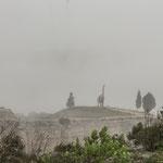 ...Saurier gegen moderne Windmühlen