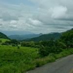 Vom Hochland durch die Berge und Regenwald an den Pazifik......