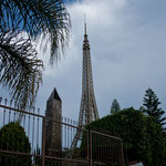 "Wo sind wir hier: ""Eiffelturm""? - ""Obelisk""?"