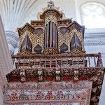 ....auch an der wunderschönen Orgel wurde nicht gespaart......
