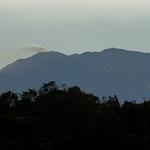 ....der Vulkan Turrialba mag uns - auch in dieser Entfernung winkt er uns zu....