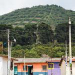 Apaneca ist umgeben von Bergen voller Kaffeeplantagen....
