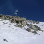 und das Gipfelkreuz schon gut erkennbar...