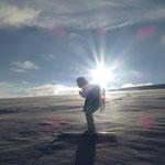 Patti G. übermütig wie eh und jäh…auf den letzten Tiefenmeter auf Skiern…