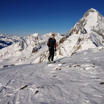 Stefan kurz vor der Suldenspitze, im hintergrund die Königsspitze