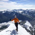 Patti liegen die Berge zu Füßen