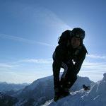 bis die Ski angeschnallt wurden und die Abfahrt losging, Ortlerspitz in der Kniehöhle