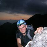 Erste Kletterpasaggen im Morgengrauen