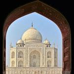 von Poco a poco (Eigenes Werk) [CC BY-SA 4.0-3.0-2.5-2.0-1.0], via Wikimedia Commons | http://commons.wikimedia.org/wiki/File%3AEl_Taj_Mahal-Agra_India0023.JPG