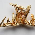 von Alchemist-hp (Diskussion) www.pse-mendelejew.de (Eigenes Werk) [FAL oder CC BY-SA 3.0 de], via Wikimedia Commons | http://commons.wikimedia.org/wiki/File%3AGold-crystals.jpg