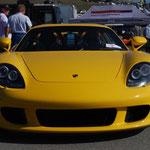 von Bill Abbott (Porsche Carrera GT from the front) [CC BY-SA 2.0], via Wikimedia Commons | http://commons.wikimedia.org/wiki/File%3AFlickr_-_wbaiv_-_Porsche_Carrera_GT_from_the_front.jpg
