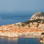 Diego Delso [CC BY-SA 3.0], via Wikimedia Commons | http://commons.wikimedia.org/wiki/File%3ACasco_viejo_de_Dubrovnik%2C_Croacia%2C_2014-04-14%2C_DD_07.JPG