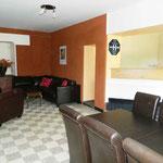 Salon Chambres d'hôte / espace repas ( table 10-12 pers )