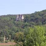 Château de Panassou vu du parc et de la piscine