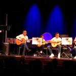 Quatre guitares avec Raul Galvan  pour  accompagner leur chanteuse