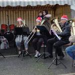 ... les trombones et les tubas.