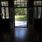 Tanzraum mit Blick in den Garten