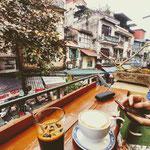 Kaffeepause in einem der zahlreichen Cafés in Hanoi